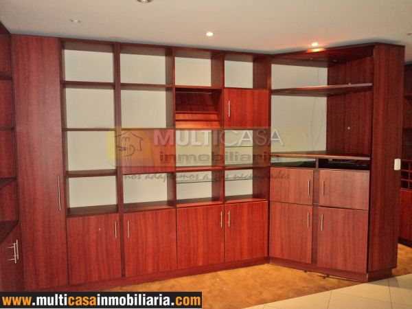 Venta de departamento a crédito hermoso sector Narancay con 2 garajes Cuenca - Ecuador