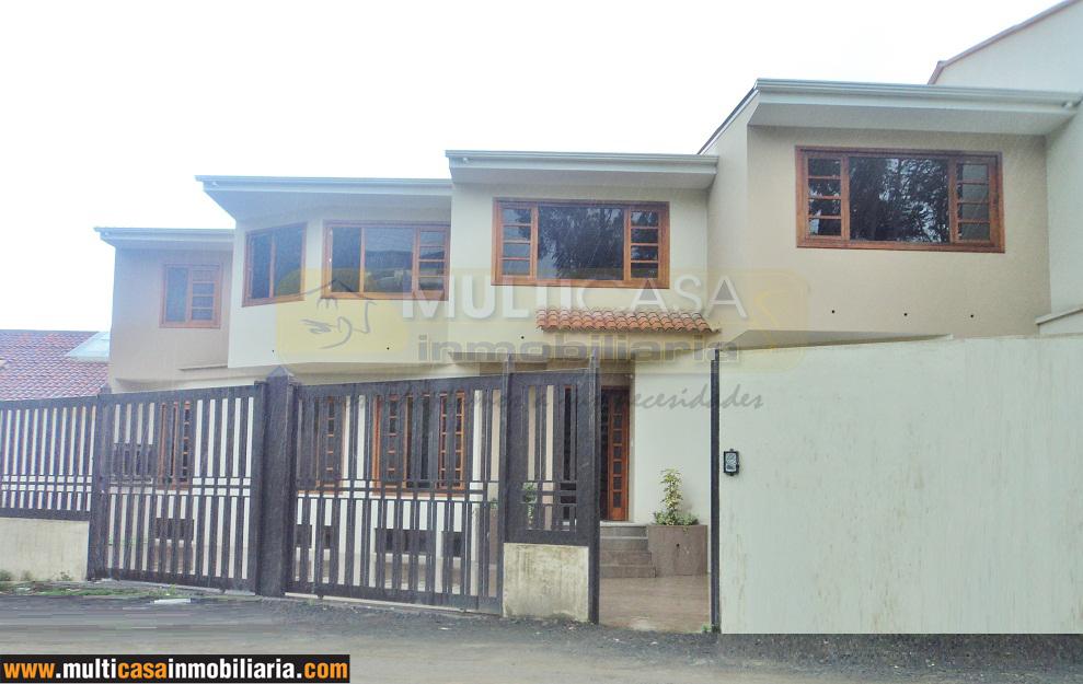 Venta de hermosa casa por estrenar sector Primero de Mayo Cuenca - Ecuador