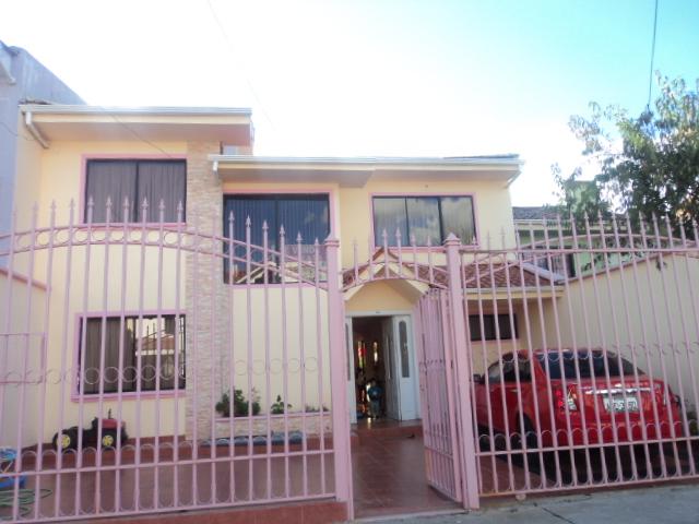 Venta de hermosa casa sector Totoracocha Cuenca-Ecuador
