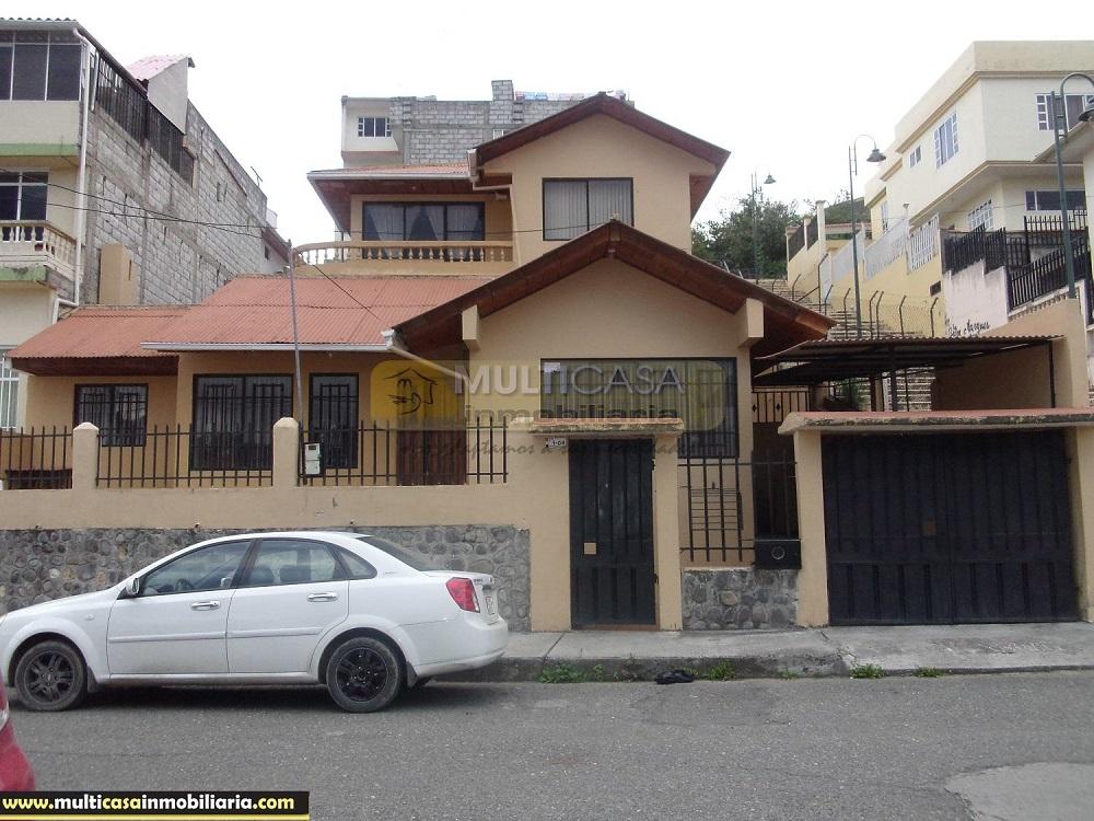 Venta de Hermosa Casa a crédito sector Centro De Azogues Cuenca - Ecuador