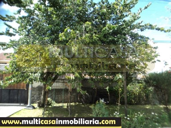 Venta de hermosa casa a cr dito sector jardin azuayo for Jardin azuayo