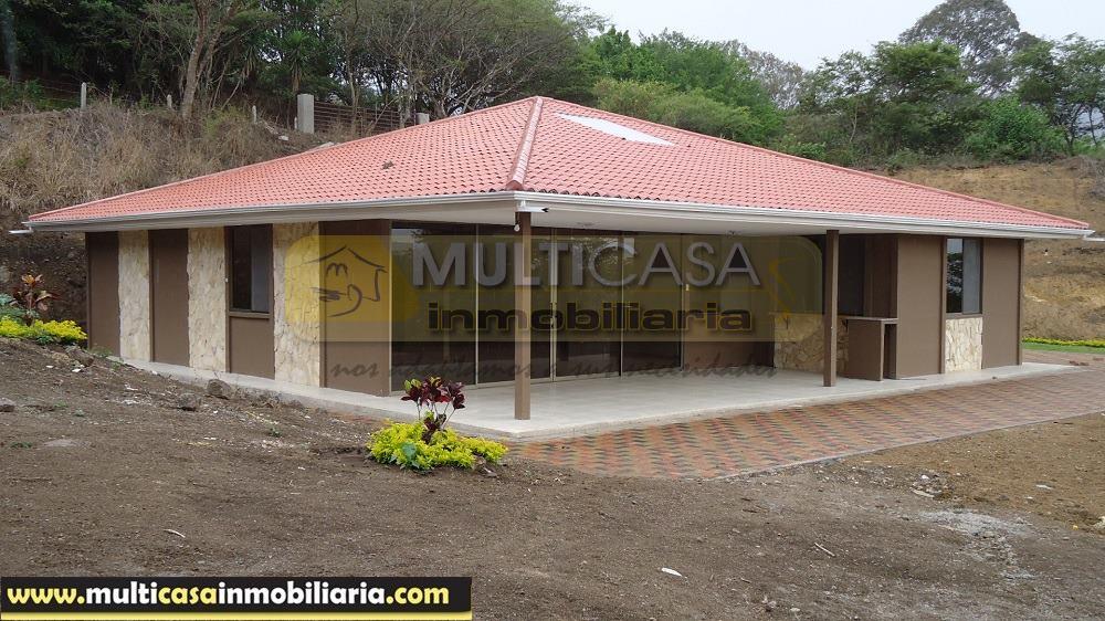 Quinta en Venta a crédito con amplio terreno sector de Yunguilla - Ecuador