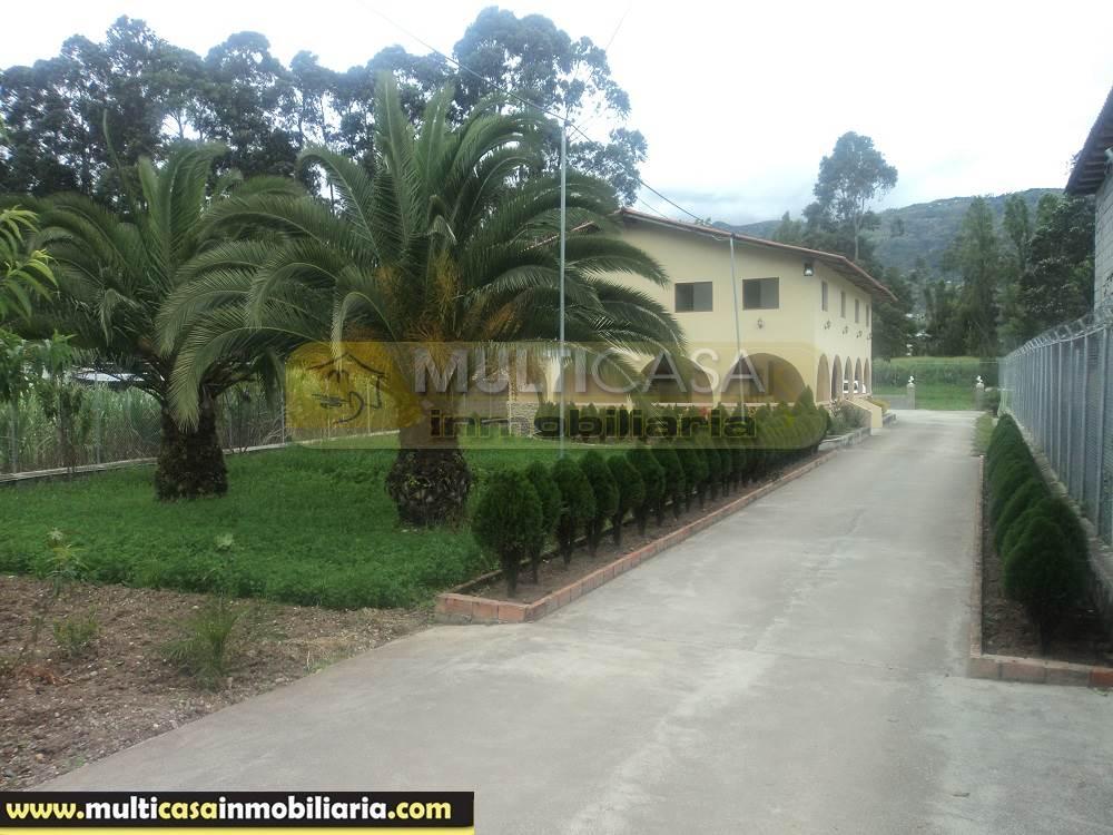 Venta de Hermosa Quinta a crédito por el sector El Cabo Cuenca - Ecuador