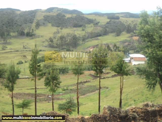 Venta de Hermosa Hacienda a crédito sector Gualaceo Cuenca - Ecuador
