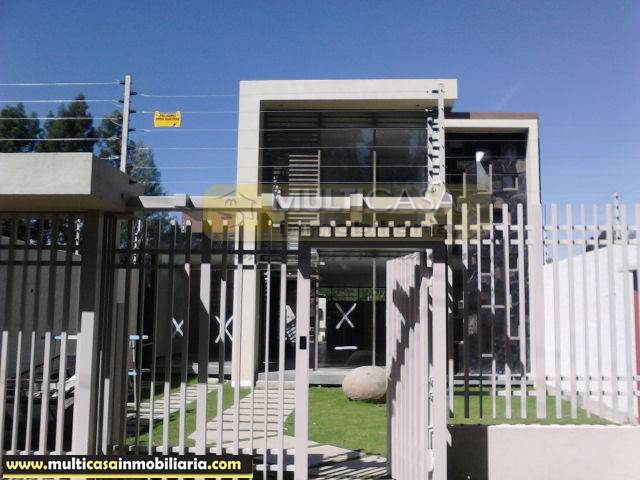 Venta de Hermosa Casa amplia a crédito sector Chaulluabamba Cuenca-Ecuador