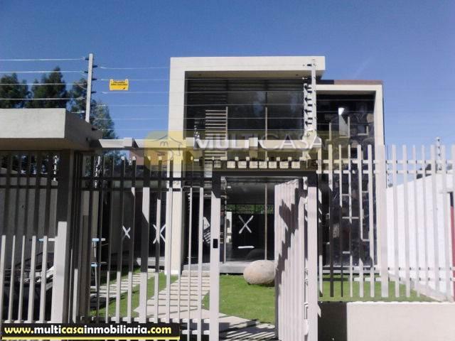 Venta de Hermosa Casa amplia a crédito sector Chaulluabamba Cuenca-Ecuador <br><br>
