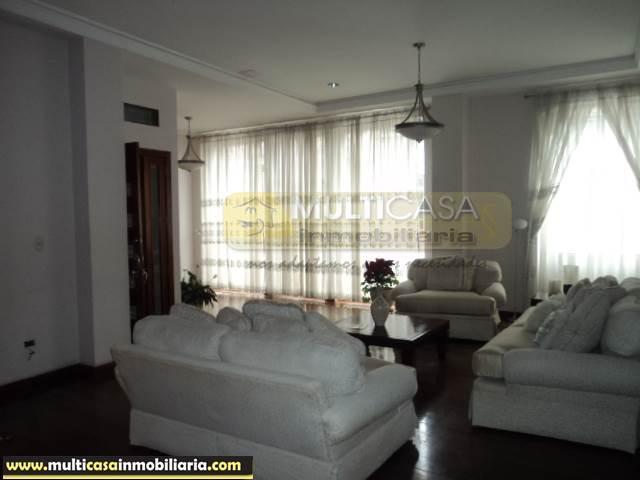 Venta de Hermosa Casa Comercial a crédito sector Centro de la Ciudad Cuenca-Ecuador