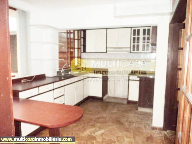 Venta de Hermosa Casa Rentera a crédito sector La Republica Cuenca-Ecuador