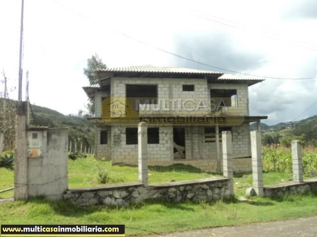 Venta de Terreno con Casa iniciada la construcción a crédito sector Santa Ana-El Chorro Cuenca-Ecuador <br><br>