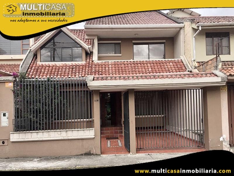 Casa en Venta a Crédito con amplio espacio verde  sector Remigio Crespo Cuenca-Ecuador