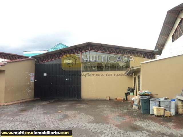 Venta de Hermosa Nave Industrial a crédito sector Colegio Borja Cuenca-Ecuador <br><br>