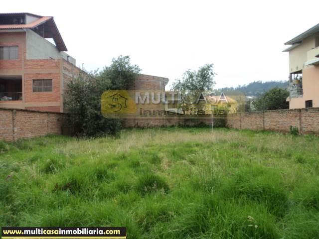 Venta a crédito  de Hermosa Casa con Amplio Terreno con Linea de Fabrica sector Don Bosco Cuenca-Ecuador <br><br>