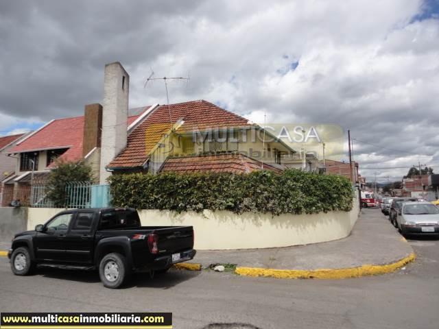 Venta de Hermosa Casa a crédito sector Remigio Crespo Cuenca-Ecuador <br><br>