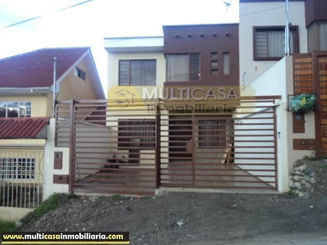 Venta de Hermosa Casa a crédito sector Colegio Borja Cuenca-Ecuador <br><br>