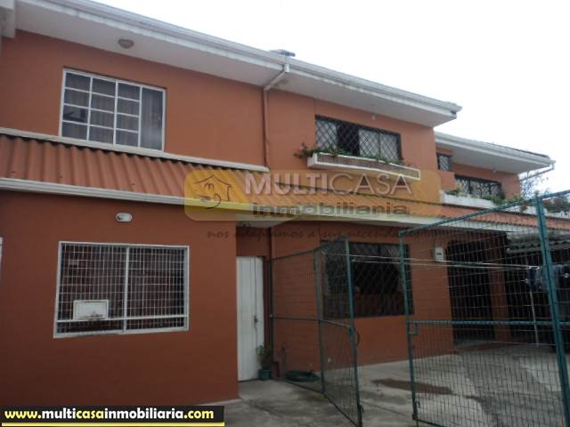 Venta de Hermosa Casa Amplia con un Departamento a crédito sector Gran Manzana Cuenca-Ecuador