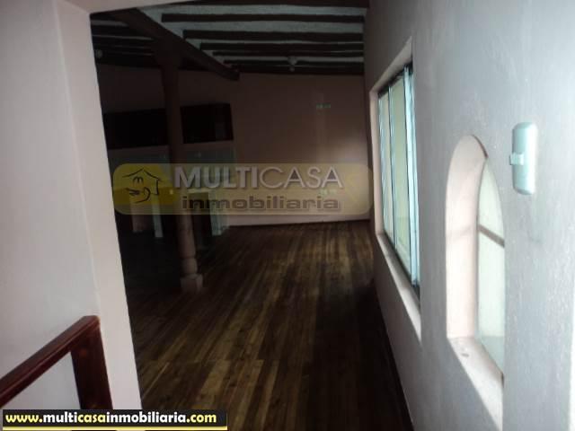 Casa Comercial en Venta dos locales comerciales Sector Centro de la Ciudad Cuenca-Ecuador