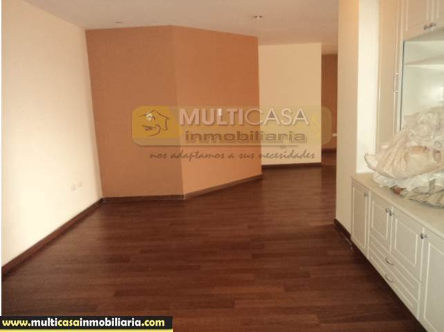 Venta de Hermoso Departamento con tres dormitorios a crédito sector Av. Ordoñez Lazo Cuenca-Ecuador <br><br>