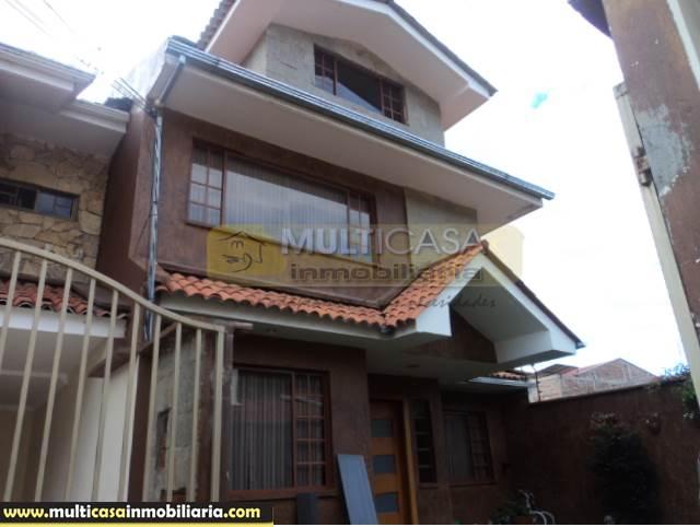 Venta de Hermosa Casa a crédito sector Capulispamba Cuenca-Ecuador <br><br>