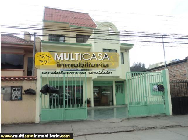 Venta de Hermosa Casa Comercial de siete Departamentos a crédito sector Parque Iberia  Cuenca-Ecuador <br><br>