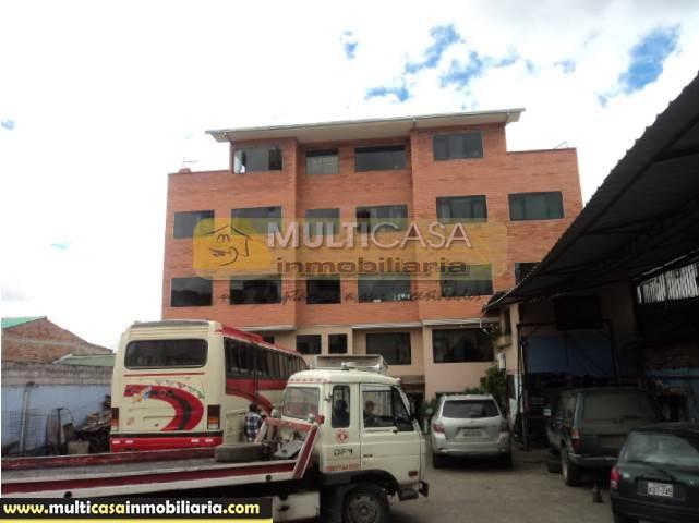 Casa Comercial en Venta a Crédito Sector Feria Libre Cuenca-Ecuador
