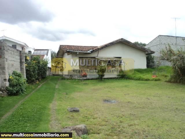 Casas con Terreno en Venta a Crédito Sector Parque de las Candelas  Cuenca-Ecuador