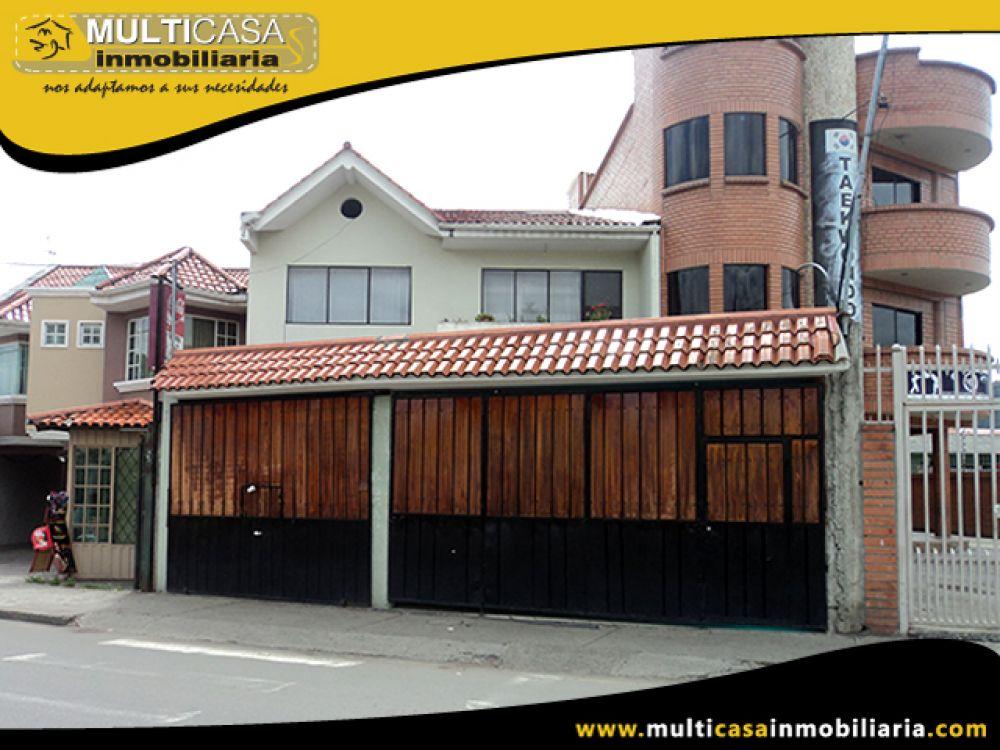 Venta a crédito de Hermosa Casa Rentera de tres departamentos, local comercial Sector  Primero de Mayo Cuenca-Ecuador