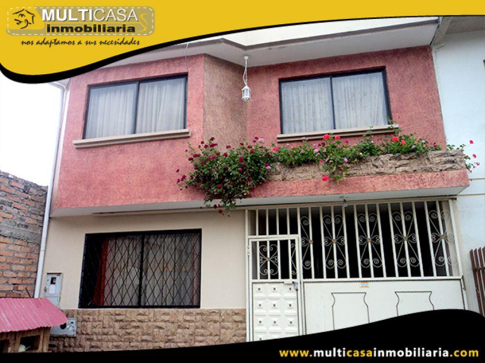 Venta a crédito de Hermosa Casa  tres pisos y espacio verde  Sector Eucaliptos Cuenca-Ecuador