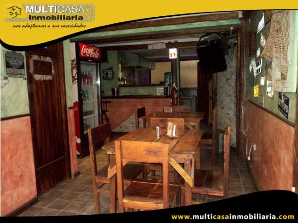 Venta a Crédito Hermosa casa comercial con dos mini suites Sector Remigio Crespo Cuenca-Ecuador