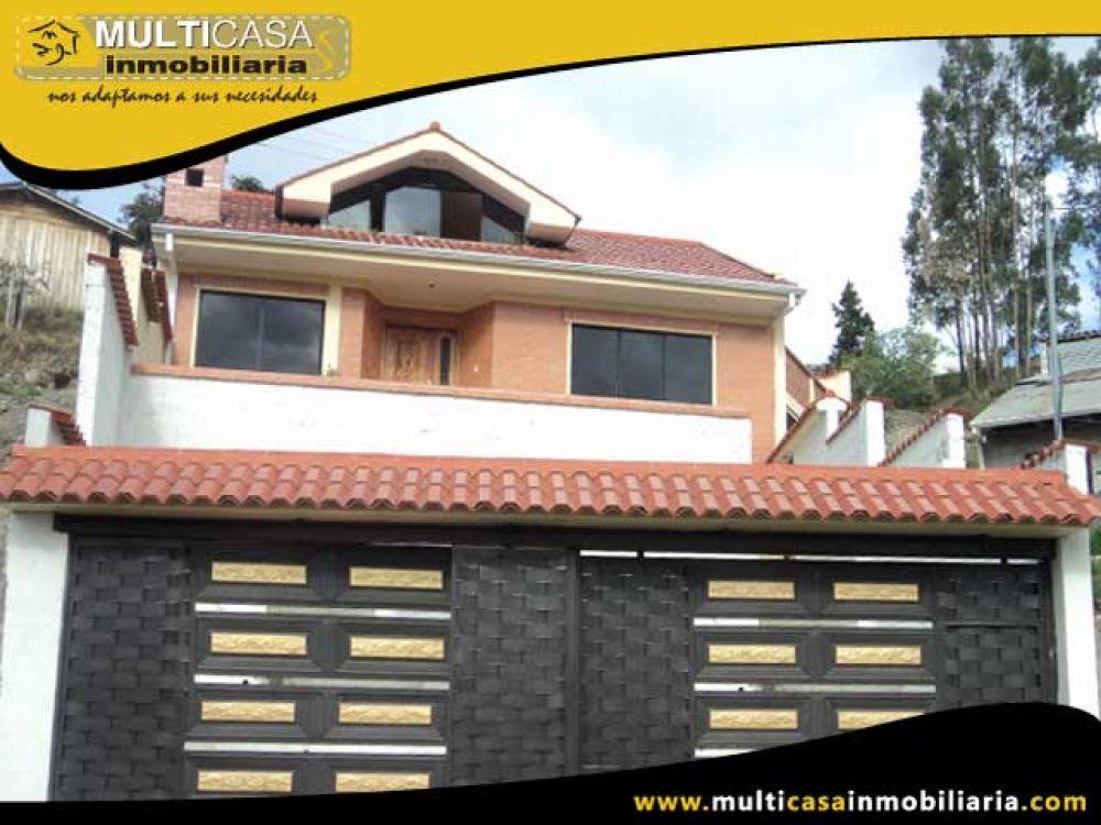 Venta a crédito Hermosa casa por estrenar con amplio espacio verde y garaje para tres vehículos Sector Vía LLacao Cuenca-Ecuador