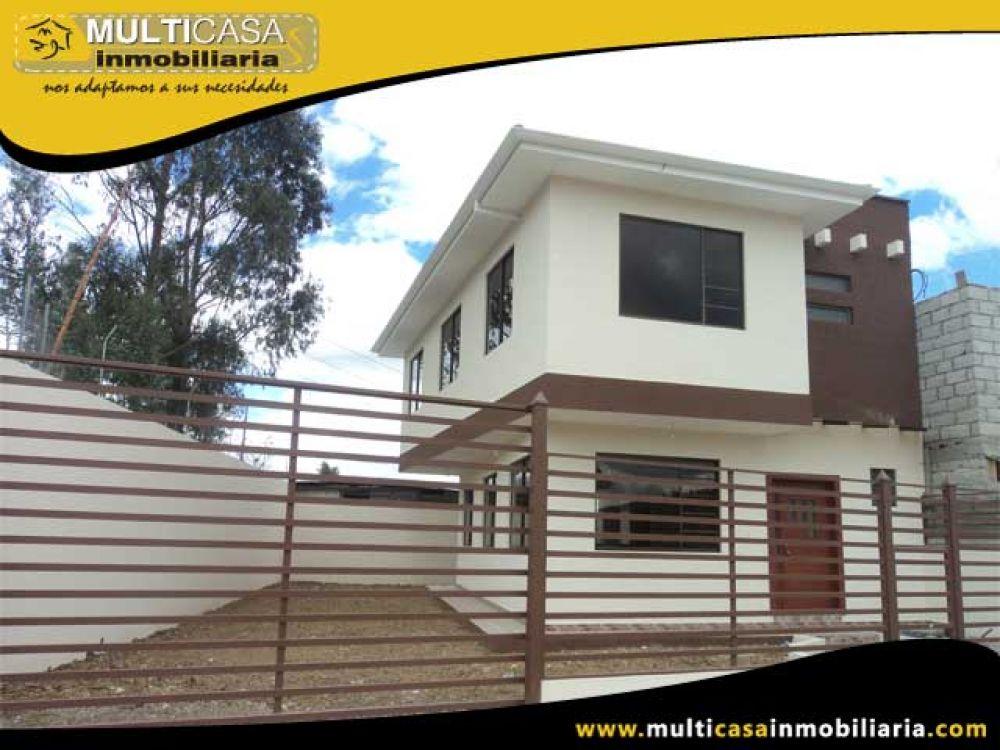 Venta a crédito  Hermosa casa en Urbanización privada  por estrenar, amplio espacio verde y garaje 5 vehículos Sector Control Sur Cuenca-Ecuador