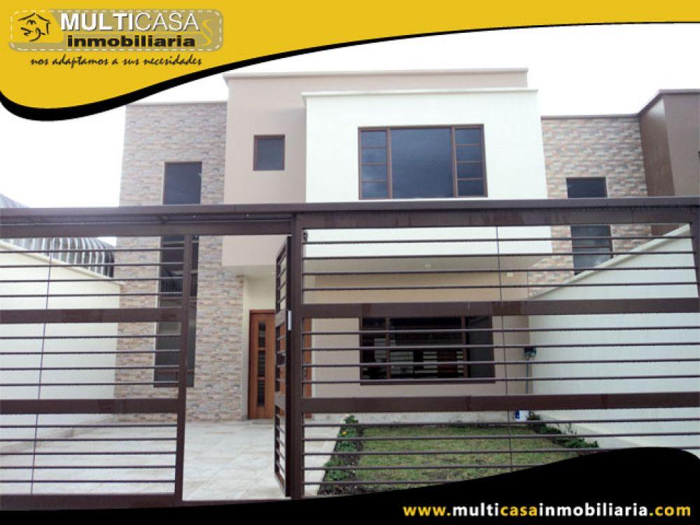 Venta a crédito Hermosa casa por estrenar espacio verde, patio y garaje para 2 vehículos Sector Racar Cuenca-Ecuador