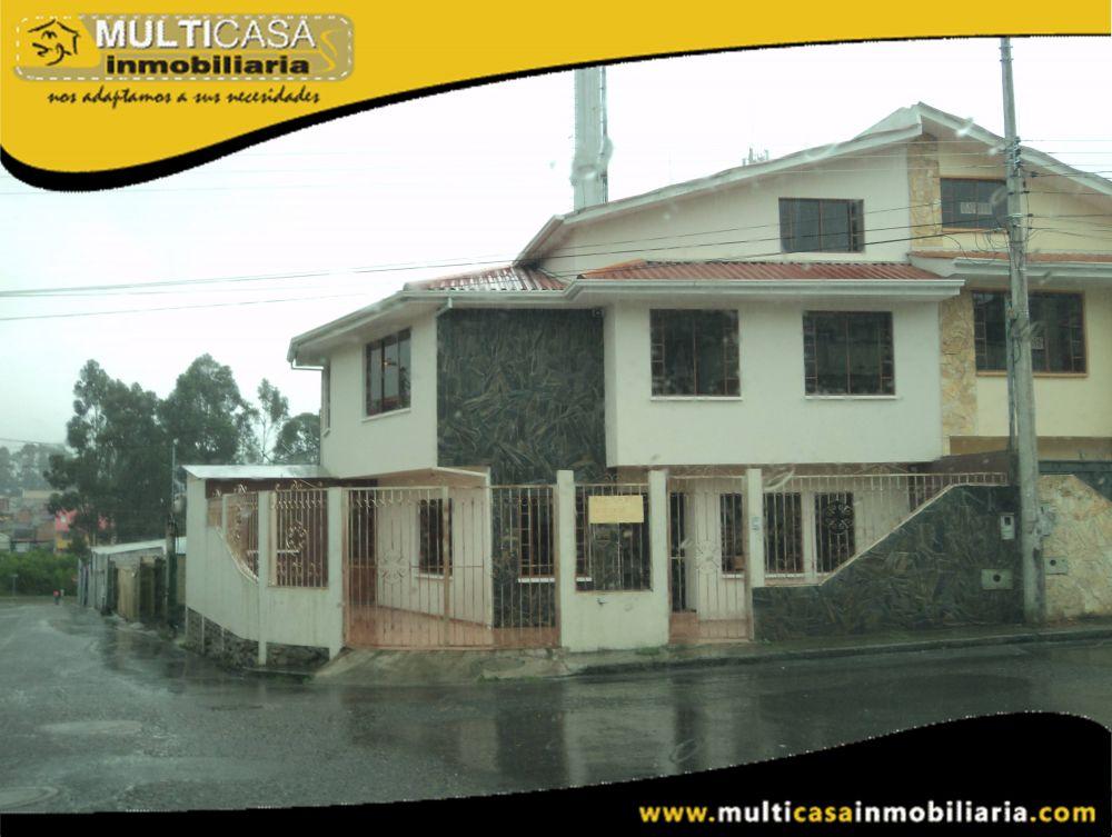 Arriendo Casa amplia  de tres Plantas Sector Las Orquídeas Cuenca-Ecuador