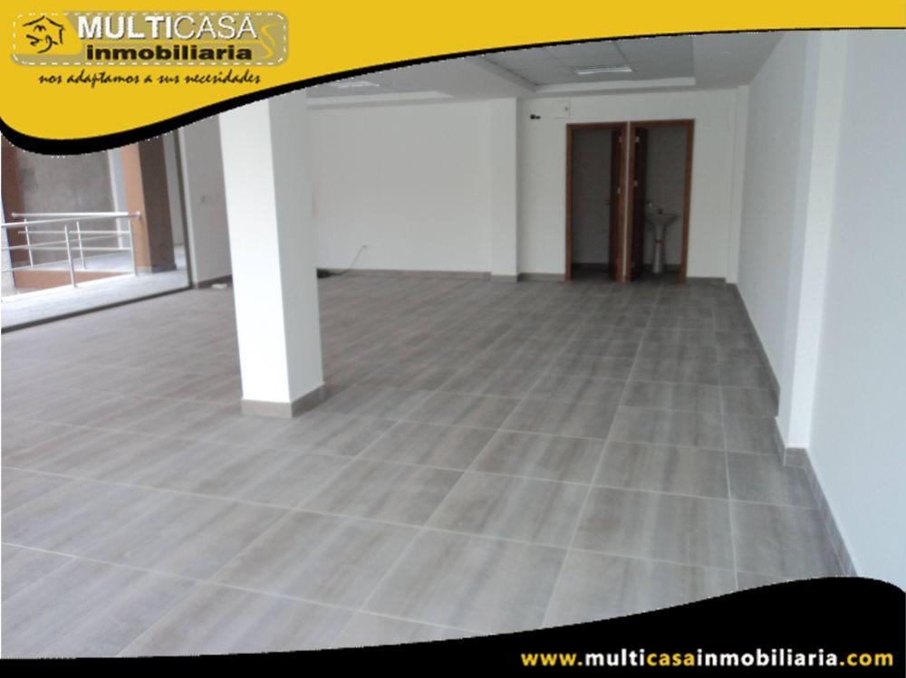 Arriendo Hermoso Edificio Comercial en muy buena ubicación con dos locales comerciales,tres departamentos y subterráneo para ocho garajes Sector Remigio Crespo Cuenca-Ecuador