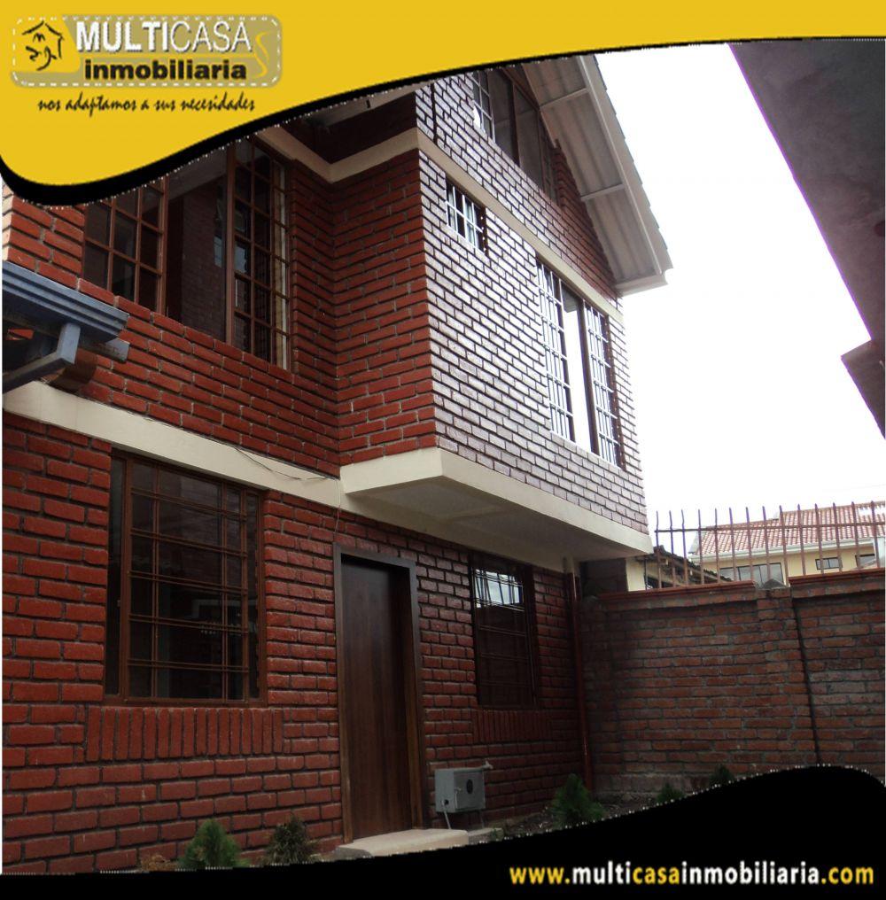 Venta de Hermosa Casa con amplia Buhardilla en Condominio Privado a crédito sector Gran Manzana Cuenca-Ecuador <br>