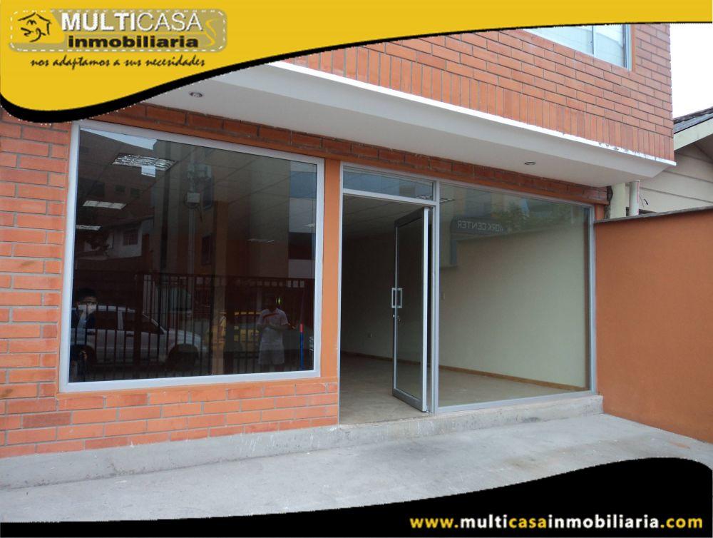 Arriendo hermoso Local Comercial con garaje para dos vehículos Sector Av.Paucarbamba Cuenca-Ecuador