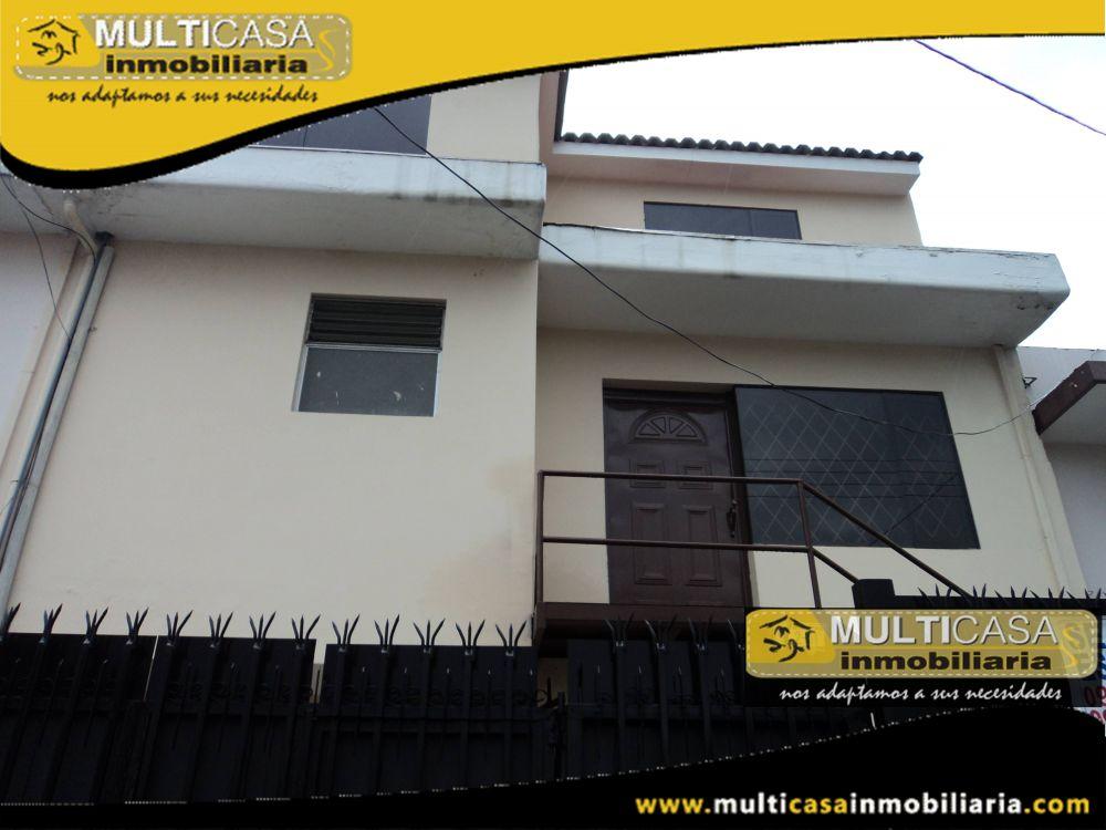 Venta de Hermosa Casa Rentera de Dos Departamentos  y garaje para dos Vehículos Sector Remigio Crespo Cuenca-Ecuador