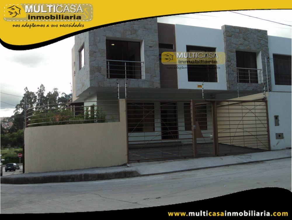 Venta de Hermosa casa por estrenar con garaje para dos vehiculos a credito Sector Cdla. de los Medicos Cuenca-Ecuador
