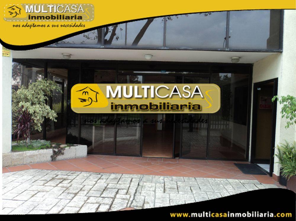 Arriendo hermoso Local con seis oficinas Sector Av.Solano Cuenca-Ecuador