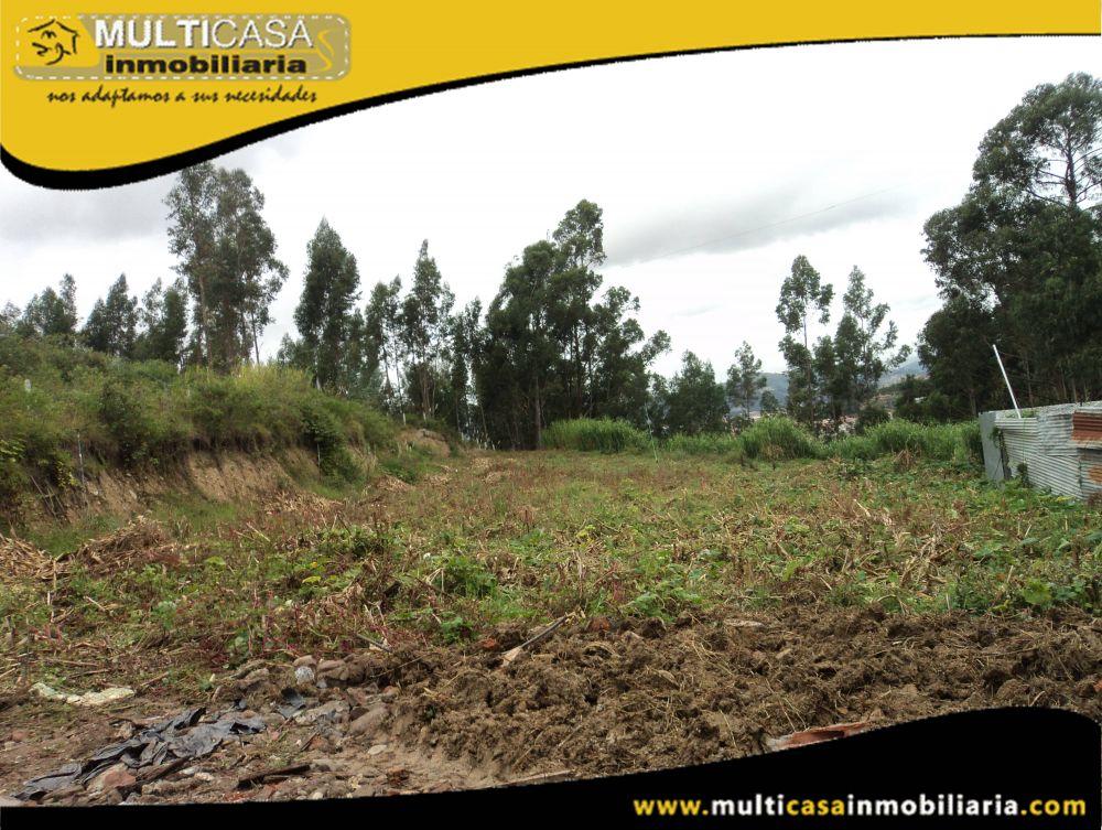Terreno en Venta a Crédito trapezoidal Sector Miraflores Cuenca-Ecuador