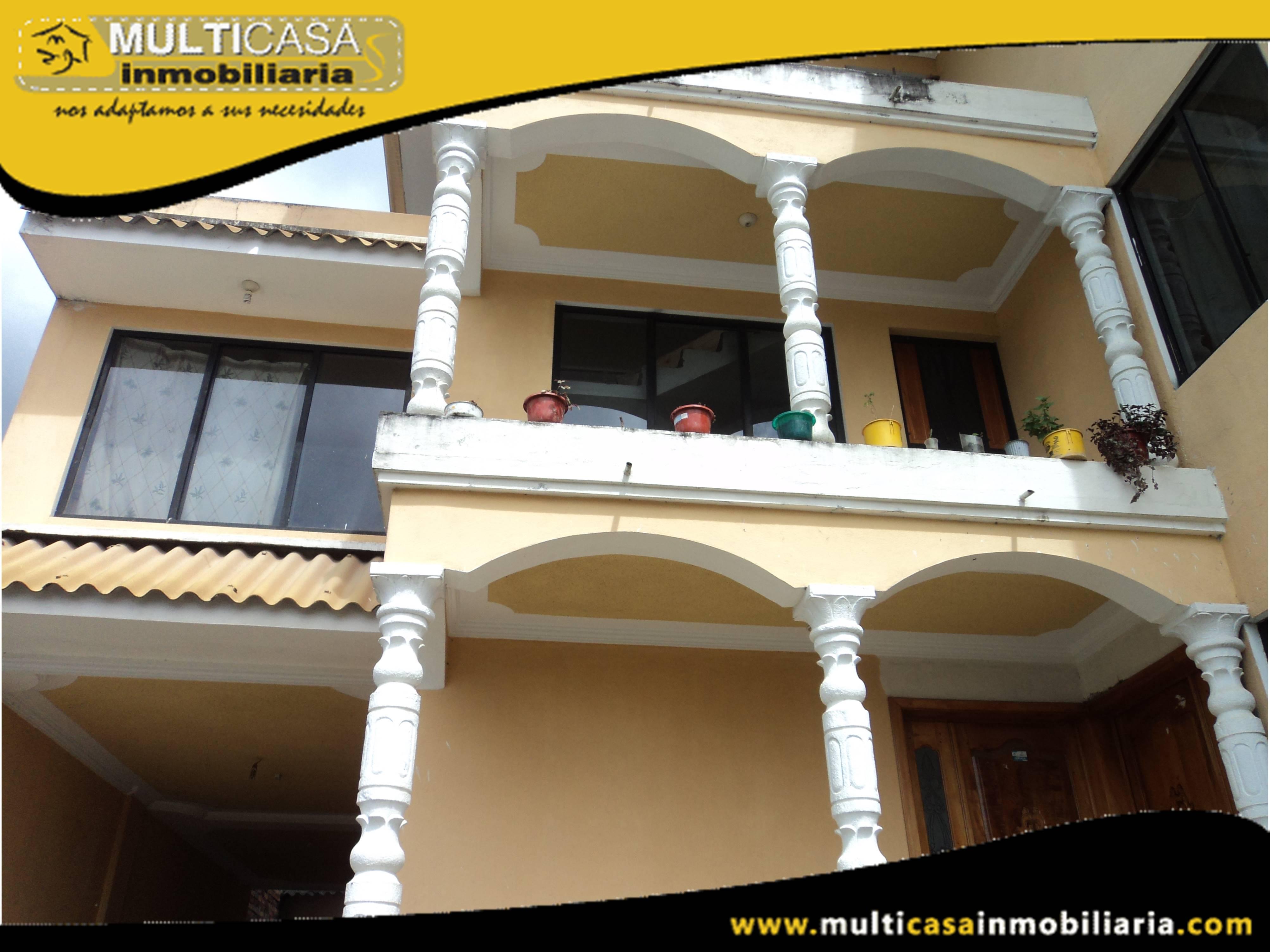 Venta de Hermosa Casa comercial de Dos departamentos a crédito con garaje para Seis Vehículos Sector Baños Cuenca-Ecuador