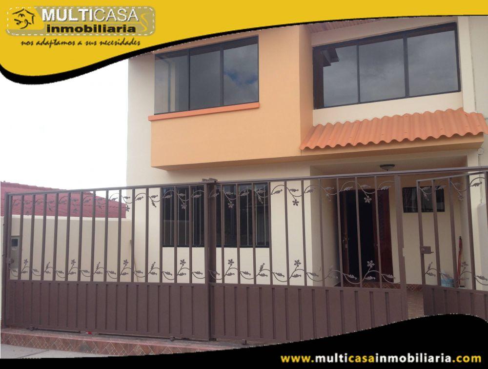 Venta de hermosa casa a crédito en Condominio Privado Sector Mercado 12 de Abril Cuenca-Ecuador