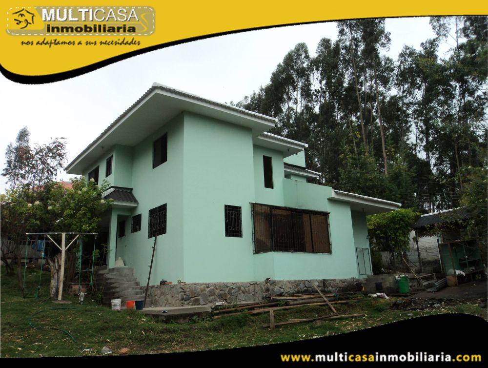 Venta de Hermosa Casa a Crédito con amplio espacio verde  Sector Monay Cuenca-Ecuador
