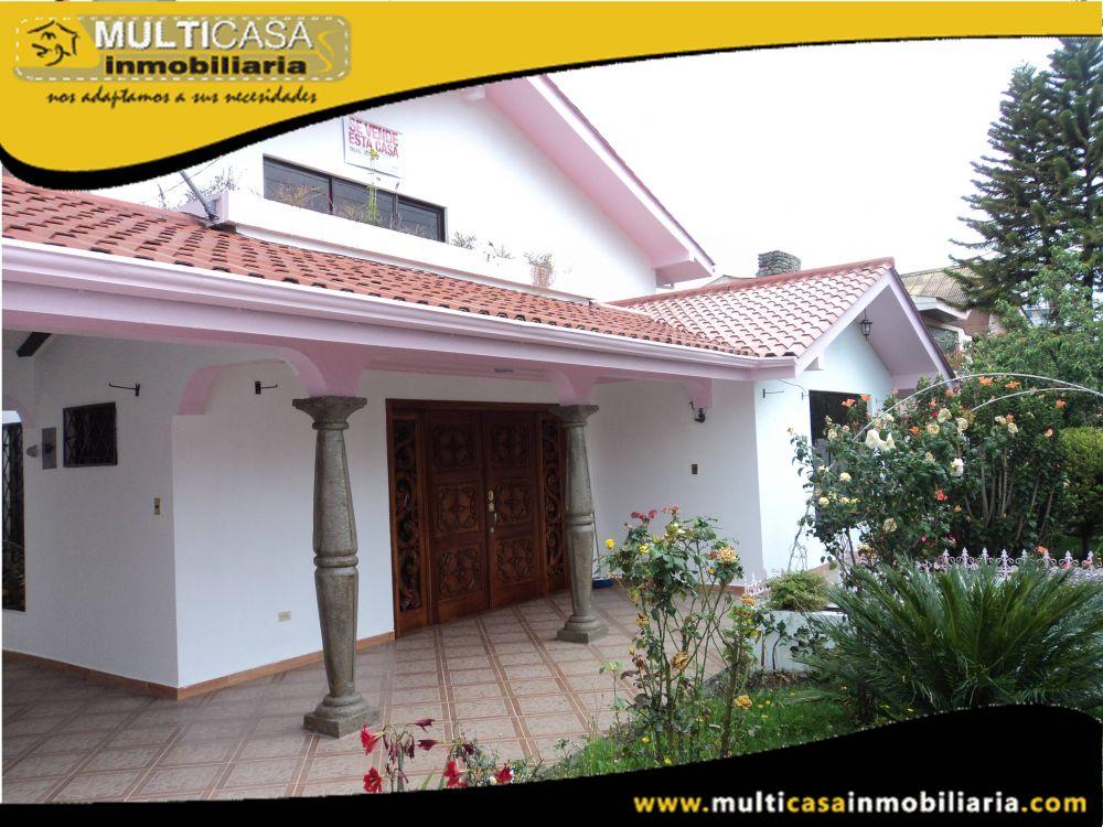 Venta de Hermosa casa a credito con Minidepartamento y amplios espacios verdes Sector Av.Paucarbamba Cuenca-Ecuador