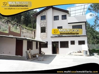 Casa con Mini Departamento en Venta Sector Guzho Cuenca - Ecuador