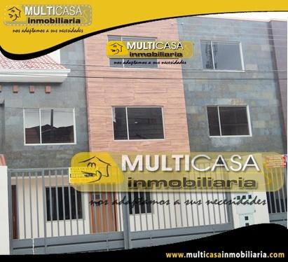 Casa en Venta Tres Departamentos a Crédito Sector Mercado 27 de Febrero Cuenca - Ecuador