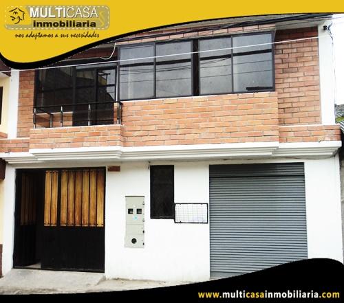 Casa en Venta con Tres Departamentos y Local Comercial Sector Totoracocha Cuenca-Ecuador