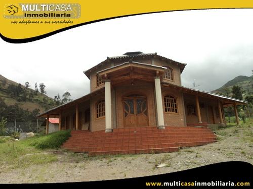 Casa con Terreno en Venta a Crédito Sector Dug Dug Paute-Ecuador
