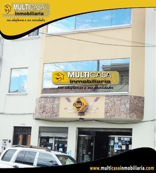 Casa con Local Comercial en Venta a Crédito Sector Centro de la Ciudad Cuenca-Ecuador