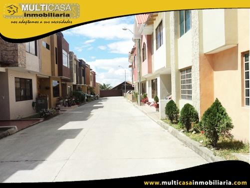 Casa en Venta a Crédito en Condominio Privado Sector Entrada a Misicata Cuenca-Ecuador