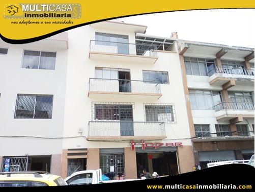 Edificio en Venta a Crédito Tres Departamentos Local Comercial Sector 9 de Octubre Cuenca-Ecuador